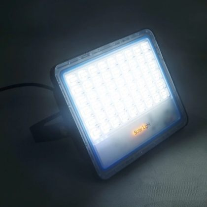 Outdoor LED Solar Flood Light High Lumens With Advanced Remote Control
